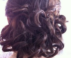 Curly Upstyle