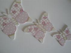 Trio de borboletas pequenas em MDF,pintadas pra decoração de parede.  borboleta P:12x8cm  borboleta M:17x12cm  borboleta G:22x15cm R$ 49,90