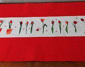 Tischläufer Tulpen, 143 x 30 cm, Kreuzstich auf Leinen