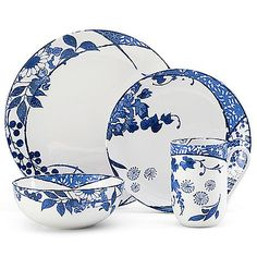 The contemporary Mikasa Hana Dinnerware features a richly colored floral pattern against a crisp white background. Its unique design wraps around each piece of lightly embossed, coupe-shaped porcelain for a fresh style that will brighten your table. Blue And White Dinnerware, Red Dinnerware, Plastic Dinnerware, Casual Dinnerware, Porcelain Dinnerware, Red Dinner Plates, Red Bedding, Mikasa, Hana