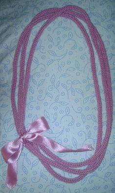 collana di lana fatta con il tricotin