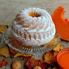 Ciambella di zucca con noci e amaretti Torte Cake, Profiteroles, Apple Butter, Fall Treats, Pinterest Recipes, Cake Recipes, Muffin, Food And Drink, Pumpkin