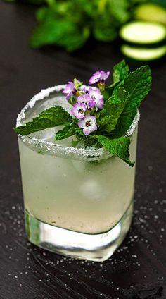 Cucumber Cocktail, Grapefruit Cocktail, Summer Cocktails, Cocktail Drinks, Cocktail Recipes, Liquor Drinks, Alcoholic Drinks, Beverages, Drinks Alcohol Recipes