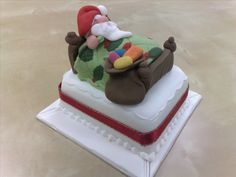 CHRISTMAS MODELLING CAKE http://www.sugarcraft-supplies.co.uk