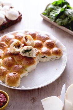 Hai mai provato il #danubio #vegetariano? Le famosissime sfere di pasta brioche…