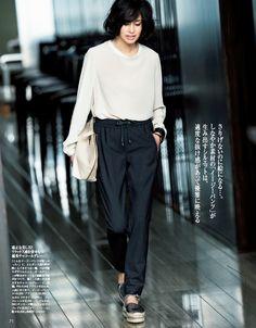 涼しい、楽、エレガント。この夏人気の「イージーパンツ」3選 - Woman Insight   雑誌の枠を超えたモデル・ファッション情報発信サイトPrecious2016年7月号P71