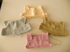 Embroidered Baby Vest Making - Kindermode Crochet Baby Dress Pattern, Crochet Yoke, Knit Baby Dress, Baby Dress Patterns, Crochet Fabric, Baby Knitting Patterns, Free Crochet, Raglan Pullover, Knitting For Kids