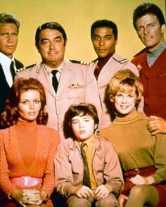 The Land Of The Giants cast. Back; Don Matheson, Kurt Kasznar, Don Marshall, and Gary Conway. Front; Deanna Lund, Stefan Arngrim, and Heather Young.