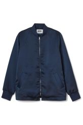 <p>The Padded Bomber Jacket is a straight fit bomberwitha shiny finish and a sharp hemlinefor amodern look. It has softly ribbed edges and two slanted front pockets.</p><p>- Size Small measure 111 cm in chest circumference and 68 cm in length. The sleeve length is 64 cm.</p>