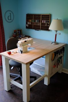 I love how the sewing machine is set into the table! jw Butcher block top cut out for sewing machine.