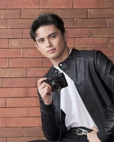 James 3, James Reid, Movie Talk, College Boys, Australian Actors, Nadine Lustre, Jadine, Handsome Faces, Attractive Guys