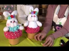 Soft Dolls, Youtube, Bunny, Baby Dolls, Atelier, Dibujo, Christmas Stairs Decorations, Crafting, Youtubers