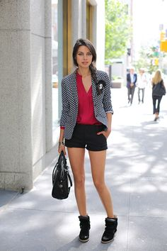 Love the outfit! Except the shoes... I'd love to see a cute pump.
