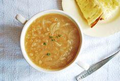 La clásica sopa de cebolla que nunca te fallará.   18 Deliciosas maneras de comer vegetales si odias las ensaladas