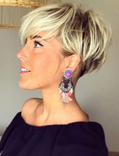 30 Best Asymmetric Short Haircuts