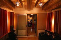 Lampade a sospensione per la sala di registrazione de La Sauna Recording Studio