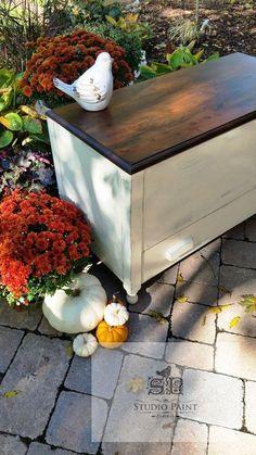 """Painted Cedar Blanket Box """"Brent"""" - Studio Paint #Paintedfurniture"""