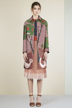Plisse skirt under a marvelous coat! On www.redvalentino.com