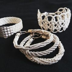 Wire Weaving, Wire Crafts, Macrame Bracelets, Beads And Wire, Filigree, Pendant Jewelry, Beautiful Outfits, Copper, Jewelry Making