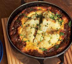 株式会社主婦の友社 刊 『Vegetable Life with LE CREUSET ル・クルーゼで作るいちばん野菜がおいしいレシピ』より まるでスフレのような食感。 焼きたてのふわふわも、冷めて落ち着いた状態も、どち