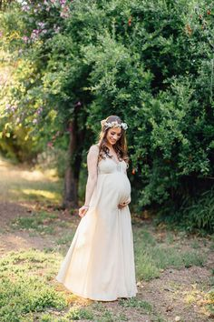 Maternity photos in a long dress with a flower crown in Tempe Arizona in Spring evening light by Matt Le Photography