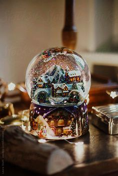 christmas mood Mountain village inside Christmas snow globe by Laura Stolfi for Stocksy United Wallpaper 4k Anime, Wallpaper 4k Iphone, Christmas Snow Globes, Christmas Night, White Christmas Snow, Diy Snow Globe, Snow White Tattoos, Snow White Outfits, Snow Outfit