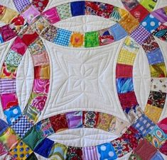 Antique Double Wedding Ring Quilt Finished And Quilted By Esther At Threads On The Floor In Blocks She Alternated Between A Cathedral Window