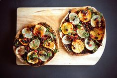 Cooking With Veggie Num Num: Indian Spiced Pita Pizza | The Etsy Blog