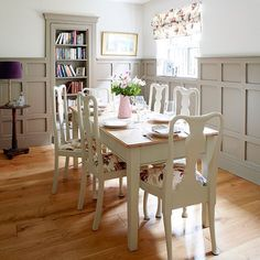 Dining room | Coastal West Sussex home | House tour | PHOTO GALLERY | Country Homes & Interiors | Housetohome.co.uk