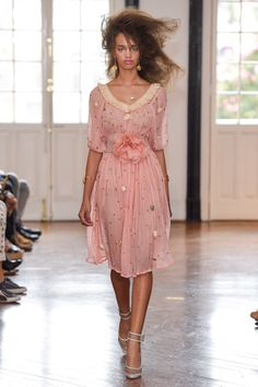 7f4ced177 797 melhores imagens de Pink Fever/ Rosa/ Coral   Alta costura ...