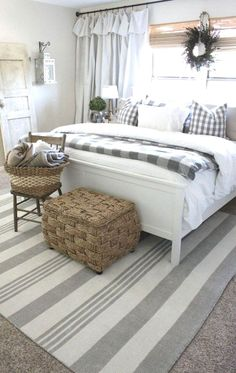 home decor bedroom 35 Good Urban Farmhouse Master Bedroom Makeover Ideas Master Bedroom Makeover, Master Bedroom Design, Home Decor Bedroom, Bedroom Designs, Bedroom Curtains, Diy Bedroom, Master Bedrooms, Budget Bedroom, Bedroom Styles