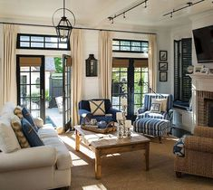 70 Cool and Clean Coastal Living Room Decorating Ideas (13)