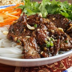 Bún Thịt Nướng (Vietnamese Grilled Pork with Rice Noodles Bún Thịt Nướng is a Vietnamese rice noodle bowl with vegetables, herbs, grilled pork, and a nuoc cham (seasoned fish sauce) dipping sauce. Vietnamese Pork Chops, Vietnamese Grilled Pork, Vietnamese Cuisine, Vietnamese Restaurant, Grilled Fish, Vietnamese Bun Recipe, Vietnamese Rice Recipes, Asian Pork Chops, Pork Marinade