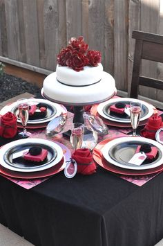The Bachelor Tablescape, more awesome pictures at the link:  http://mysparklingevent.com/2012/04/designers-challenge-creative-juice-the-bachelor/#more-3078