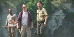 Lennie-James-Ethan-Embry-and-Andrew-Lincoln-Andrew-Lincoln-in-The-Walking-Dead-Season-6-Episode-1.jpg (1200×600)