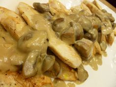 "Chicken with Mushroom Wine ""Cream"" Sauce (grain free, gluten free, dairy free)"