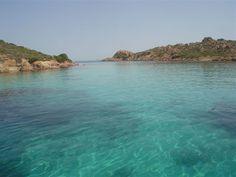 Arcipelago de La Maddalena - il Passo degli Asinelli divide l'isola di Razzoli dall'isola Santa Maria