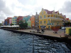 Wat is er te doen op Curaçao... #Willemstad op #Curaçao #Reizen #Travel Willemstad, Travel, Viajes, Trips, Traveling, Tourism, Vacations