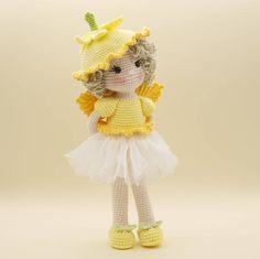 Amigurumi de ganchillo muñeca hada de la flor del narciso de