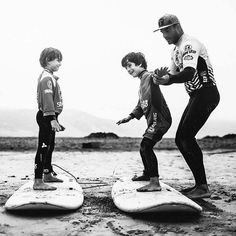 Nuestro #instructor @echedey_famara mejorando la posición de nuestros alumnos . #surfschool @monchilasanta  #surfcoach #surfcamp #lanzarote #famara #lasantasurfprocenter  Foto de @crisdiazfoto  #summertime #summersurf #summer #verano #surf #surfing #clasesdesurf #surfteguise #surflanzarote #surfcanarias #surfcamplanzarote #surfkids #surfparaniños #surfparadise #surfenfamara #lasantasurfprocenter #lasantaprocenter #procenter .