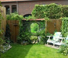 Tuinposter Stenen doorkijk in de tuin