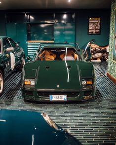 Ferrari - My list of the best classic cars Ferrari F40, Maserati, Lamborghini Gallardo, Carros Lamborghini, Pagani Huayra, Bmw Classic Cars, Pretty Cars, Classy Cars, Car Car