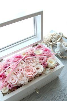 ふた付きジュエリーボックス型のリングピロー Ring pillow, Pink http://www.fleuriste-glycine.jp/