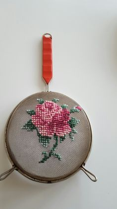 #crossstitch #kitchen #rose #pink #utensils #diy #handmade #pattern Diy Embroidery, Cross Stitch Embroidery, Embroidery Patterns, Cross Stitch Patterns, Cross Stitch Kitchen, Modern Cross Stitch, Rosa Rose, Decoration Originale, Recycled Art