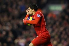 To the rescue once again, Suarez scores a simple yet at the same time, brilliantly executed equaliser
