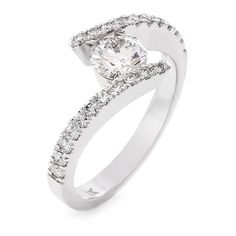 18 CARAT WHITE GOLD DIAMOND RING