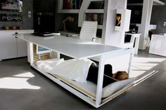 Een bed en bureau inéén: let the powernapping begin! - Lifestyle - Nieuws - GLAMOUR Nederland