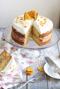 honey comb cake; the worlds best honey infused yellow cake (made with cake flour, greek yogurt, a lot of butter, and extra egg yolks) moist, tender, rich; filled with a whipped mascarpone cream and homemade honeycomb pieces