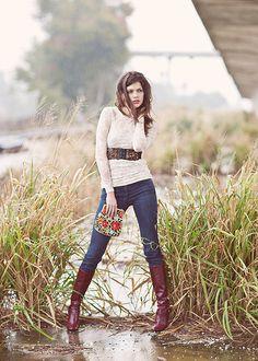 senior girl photography posing ideas #photography