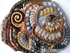 Wonderful crochet work! Site is filled with great tutorials. Russian language only, but there are great charts and photos.